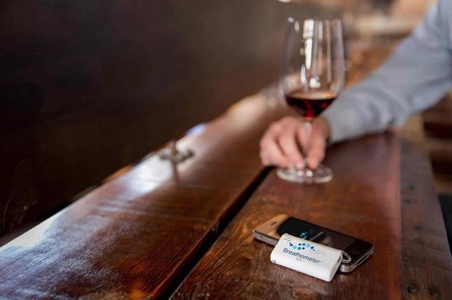 Breathometer - The World's First Smartphone Breathalyzer-1