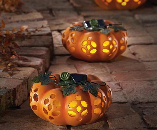 Decorative Garden Solar Lighted Pumpkins For Halloween And